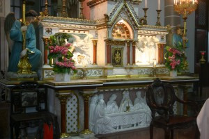 HUYEN SY CHURCH IMAGE 3